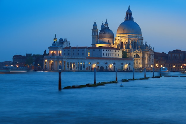 Santa maria della sallute vroeg in de avond