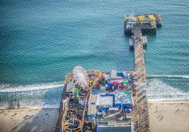 Santa monica pier, uitzicht vanuit helikopter