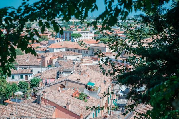 Santarcangelo van romagna middeleeuws dorp op de heuvels van rimini italië