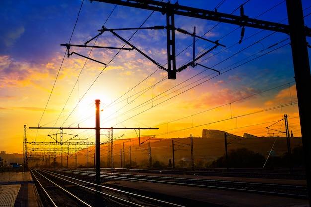 Santiago de compostela zonsopgang op trein spoorwegen