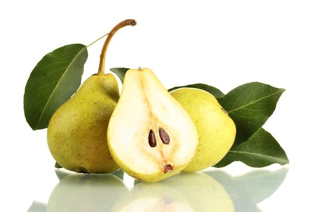 Sappige smaakvolle peren op wit