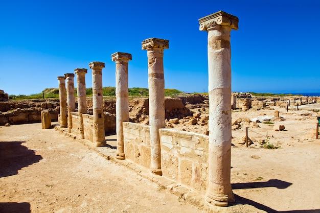 Saranta kolones of forty columns castle is een verwoeste middeleeuwse vesting in paphos, cyprus
