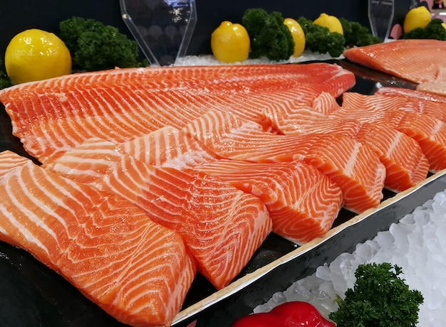 Sashimi-zalm rauw met verse visfilets