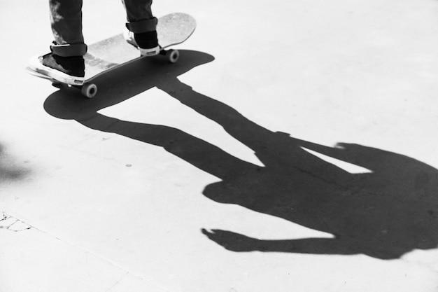 Schaduw van schaatser