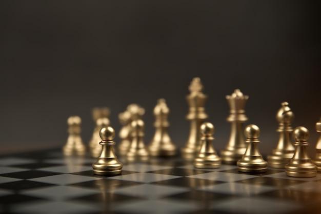 Schaken dat uit de lijn kwam concept van business strategisch plan.