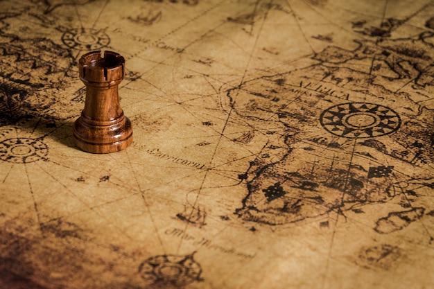 Schaken op oude kaart