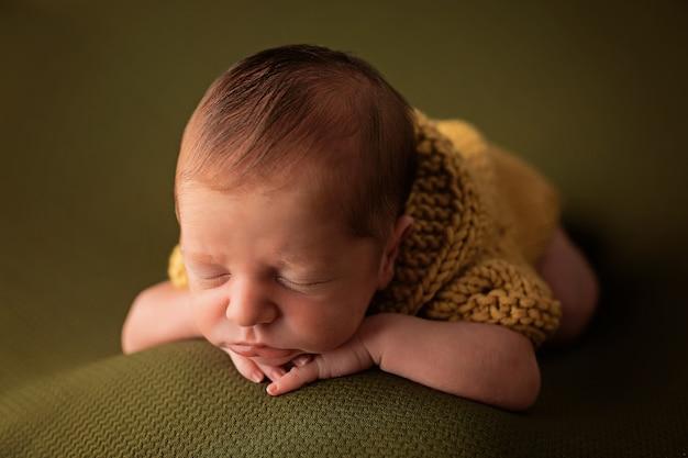 Schattig pasgeboren slapen