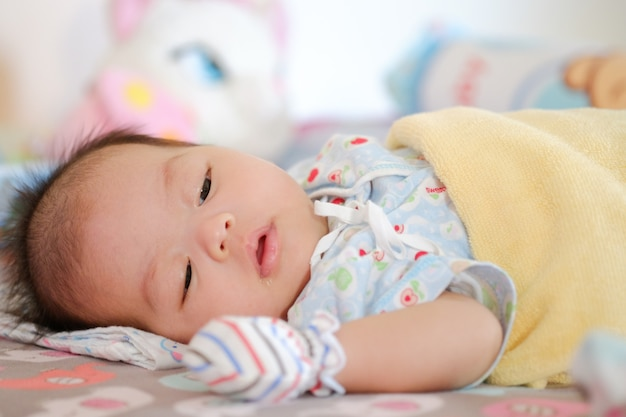 Schattige baby 2 maanden