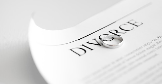 Scheidingscontract met ringen