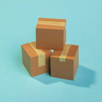 Schikking van kartonnen dozen met hoge hoek