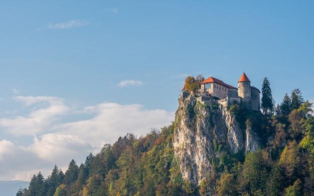 Schilderachtig uitzicht op het kasteel van bled.