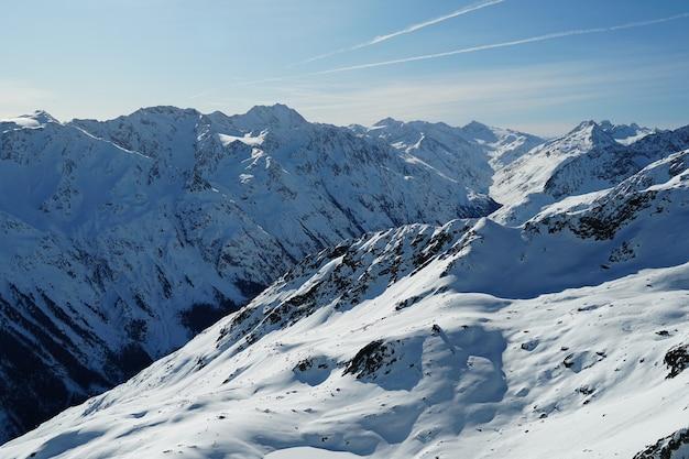 Schilderachtige bergen in de oostenrijkse alpen
