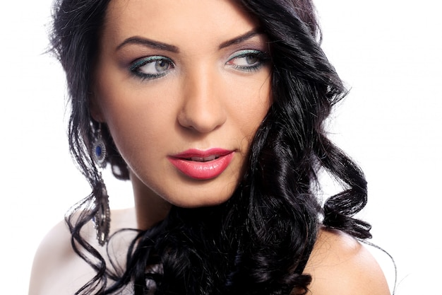 Schitterende vrouw met mooi gezicht en make-up