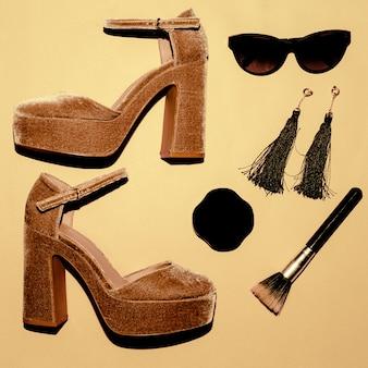 Schoenen met hoge hakken. trend. stijl. mode concept. wees lady. set van make-up en zonnebril