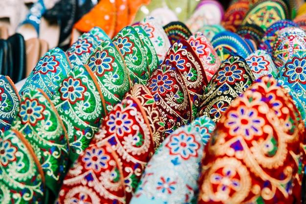 Schoenen op de markt in marokko