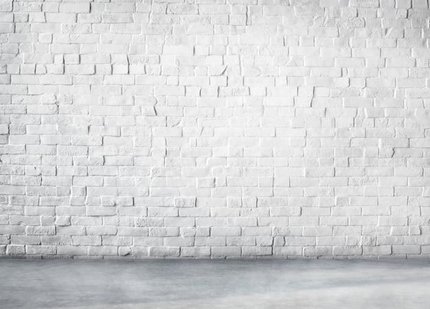 Schone cement gebouwde structuur witte achtergrond exemplaarruimte