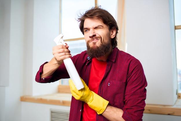 Schoner schoonmaken van het appartement dienstverlening