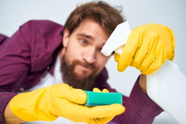 Schoner schoonmaken van het appartement hygiëne thuiszorg