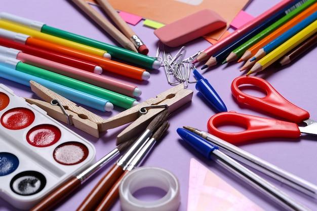 Schoolbenodigdheden voor kunstlessen