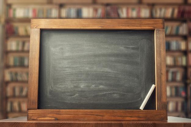 Schoolbord en krijt. terug naar school