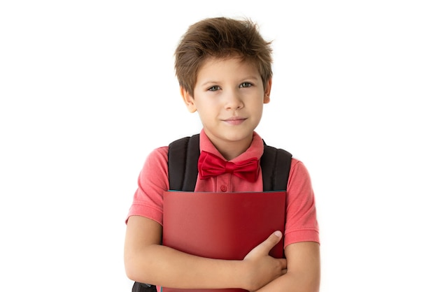 Schooljongen met een lachend blij gezicht