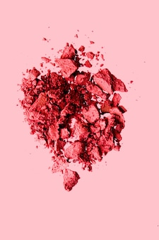 Schoonheid en make-up flatlay design minerale organische oogschaduw als poedercosmetica blush of crushed cosm ...