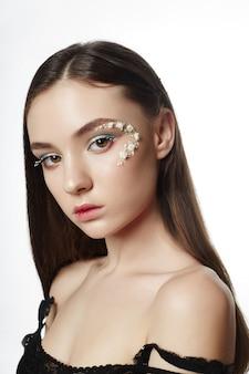 Schoonheid gezicht professionele make-up, cosmetica bloem