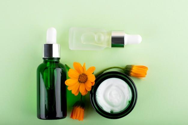 Schoonheid, gezichtsverzorgingscosmetica voor persoonlijke hygiëne.