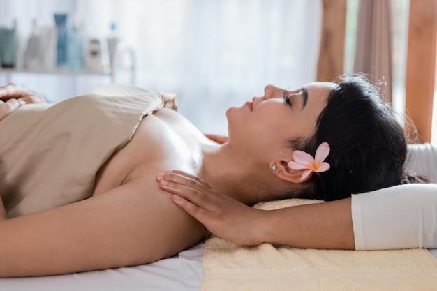 Schoonheid gezonde massage van het lichaam