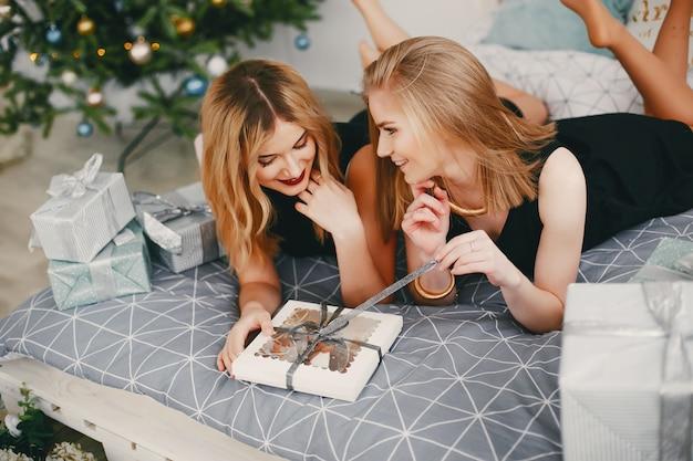 Schoonheid kerstmeisjes