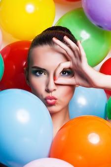 Schoonheid meisje portret met kleurrijke make-up