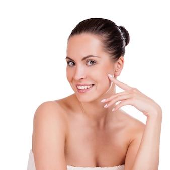 Schoonheid portret. beautiful spa woman aan haar gezicht te raken