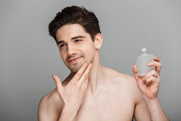 Schoonheid portret van half naakte knappe jonge man
