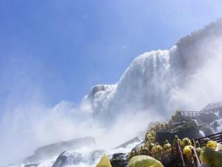 Schoonheid van de niagara falls, rotsen