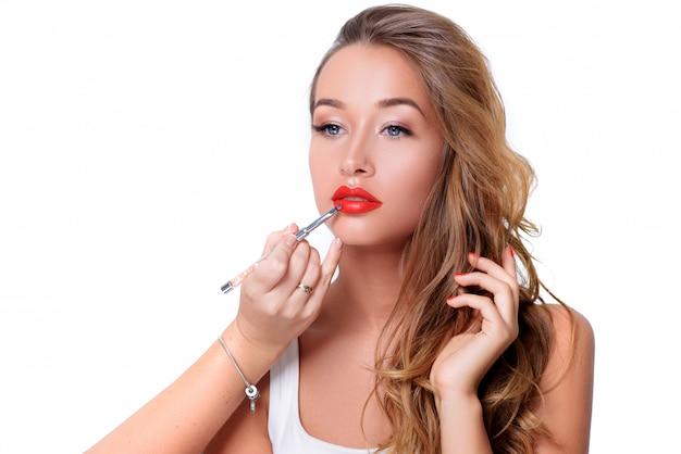 Schoonheid vrouw gezicht portret. prachtige spa model meisje met perfecte frisse schone huid. jeugd en huidverzorging concept
