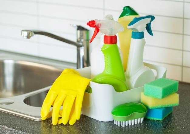 Schoonmaakartikelen huishoudelijke keukenborstel spons handschoen