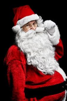 Schot van vrolijke kerstman op studio-opname