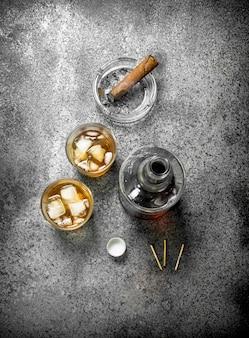 Schotse whisky met sigaar.