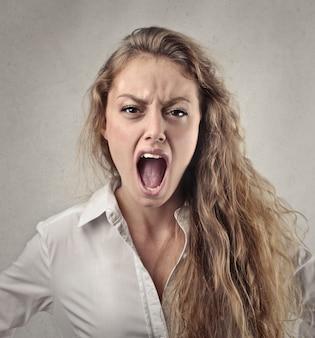 Schreeuwen door woede