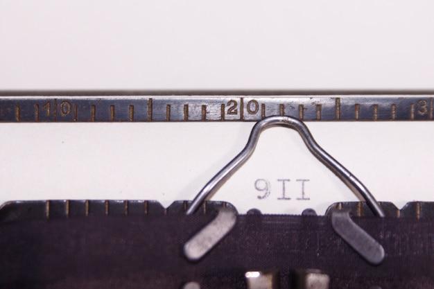 Schrijfmachine. geschreven 911. concept
