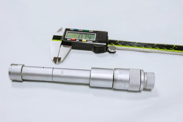 Schroefmaat apparaat voor nauwkeurige meting van gatdiameter