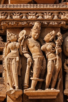 Sculpturen op khajuraho tempels