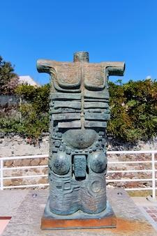 Sculptuur in savona, italië