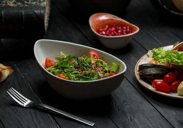 Seizoenskruidsalade met gemengde groenten