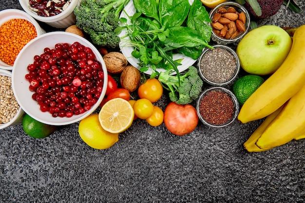 Selectie van de beste alkalische voedingsmiddelen. vegan.