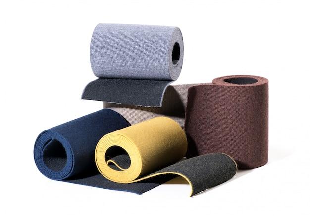 Selectie van getextureerde gekleurde elastische lintrollen
