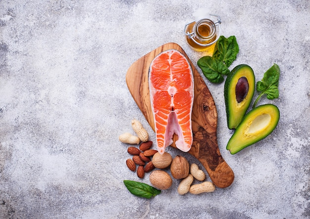 Selectie van gezonde vet- en omega 3-bronnen.