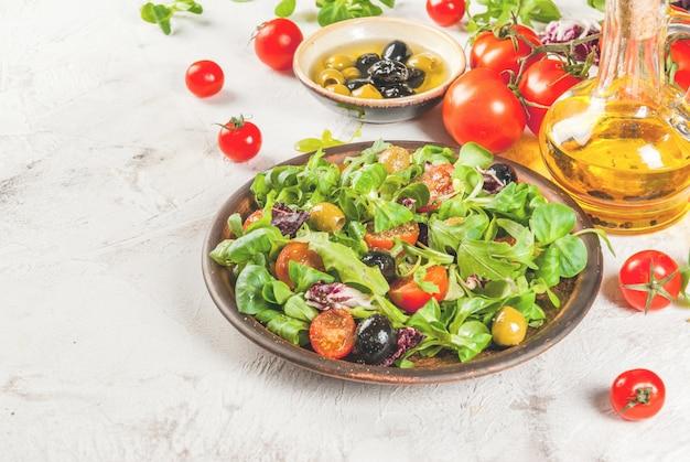 Selectie van producten voor salade en salade