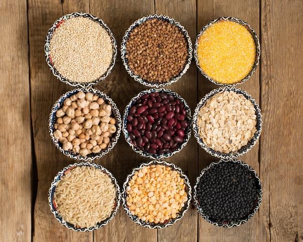 Selectie van verschillende kleurrijke ontbijtgranen