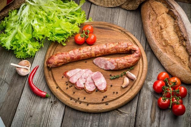 Selectie van verschillende soorten salami